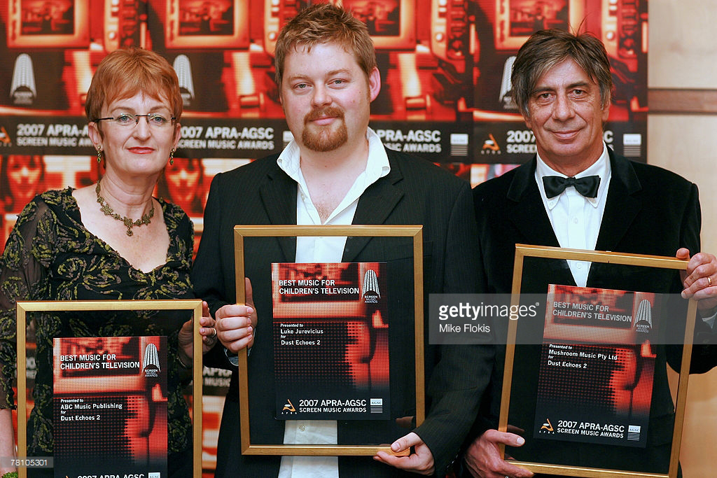 Luke accepting his Screen Music Award at the City Recital Hall on November 27, 2007 in Sydney, Australia.